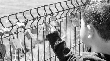 blackandwhite-boy-locks12x6