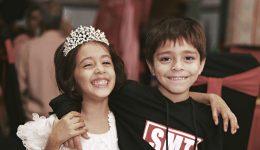 two-kids-princess12x6
