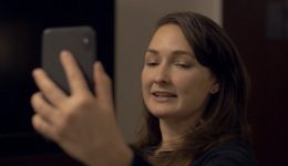 woman-using-phone-to-facetime2-flipped